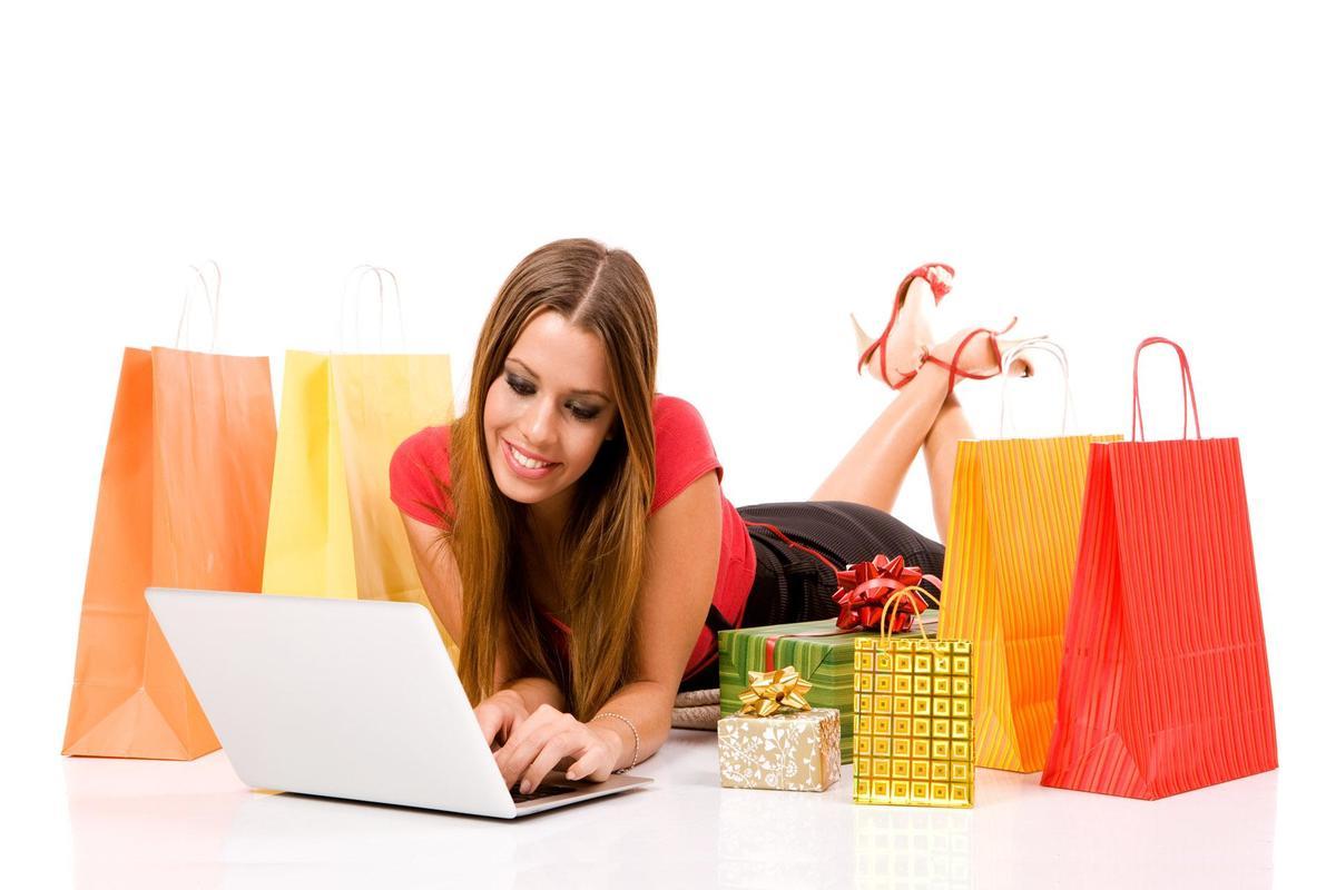 Девушка делает покупки шопинг, советы по шопингу